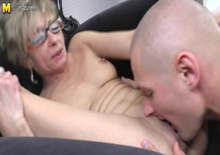 old mature mamma gets fucked by her toyboy