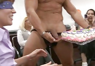 drunk gals engulfing the dicks